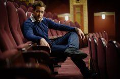 A színész ne csak végrehajtó legyen! Actors & Actresses, Celebrity Style, Neon, Celebrities, Theatre, Fictional Characters, Celebs, Theatres, Neon Colors