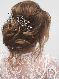 Ulyana Aster Long Wedding Hairstyles & Wedding Updos / www.deerpearlflow Ulyana Aster Long Wedding Hairstyles & Wedding Updos / www. Loose Wedding Hair, Romantic Wedding Hair, Wedding Hair And Makeup, Bridal Hair, Bridal Makeup, Trendy Wedding, Wedding Updo, Hair Makeup, Prom Updo