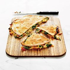 Pear, Stilton and tomato quesadillas - delicious. Healthy Eating Recipes, Gourmet Recipes, Mexican Food Recipes, Vegetarian Recipes, Cooking Recipes, Gourmet Foods, Mexican Dishes, Quesadillas, Vegetarian Quesadilla