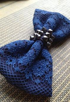 HANDMADE WOMENS LACE AND STUD BOW TIE
