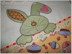 Panos de Prato com Patch Aplique Coruja e Coelho - Entre Panos e Barrados Artesanato em Crochê e Pintura