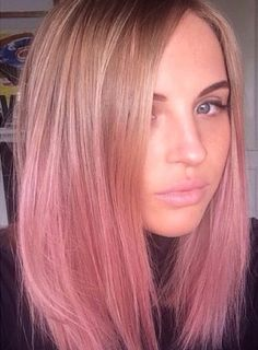 Short pink Hair Ombre