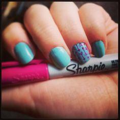 Pi Phi arrow nail art #piphi #pibetaphi
