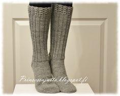 Crochet Socks, Knitting Socks, Hand Knitting, Knit Crochet, Knit Socks, Slipper Socks, Slippers, Long Johns, How To Start Knitting