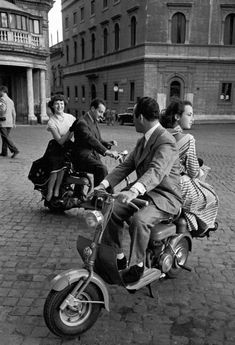 Jacques Rouchon: Voyage à Rome, années 1950.------one day i will ride in a vespa with a wonderful italian man