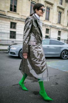 Street style at Paris Fashion Week Women's Spring 2018