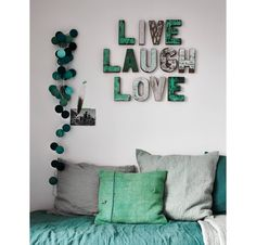 Today we want to show you amazing wall decoration ideas. You can find creative designs and inspiration to help you decorate your room wall.