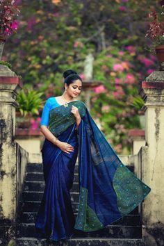 Saree Blouse Patterns, Saree Blouse Designs, Simple Frocks, Fashion Maker, Sari Design, Saree Gown, South Indian Sarees, Indian Fashion Trends, Embroidery Saree