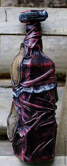 Купить или заказать Дали в интернет-магазине на Ярмарке Мастеров. Функциональная бутыль декорированная керамическими фрагментами по мотивам работ Сальватора Дали. Стало любопытно придать работам любимого мастера 'керамический вид' Воплотить свои впечатления от его работ в трехмерном объекте. Так родилась эта бутылка.