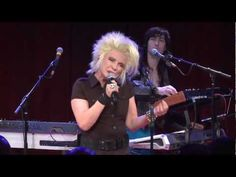 YouTube Presents: Blondie - YouTube  47 mins concert, 10 Oct 2012