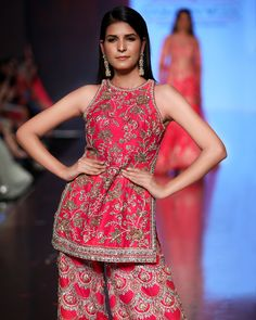 If you love red and are keen to wear Red Bridal Dresses for your wedding, you must check out the latest bridal collection by Kalki Fashion. Lehnga Dress, Lehenga Gown, Red Lehenga, Indian Lehenga, Red Evening Gowns, Red Gowns, Indian Dresses, Indian Outfits, Sabyasachi Wedding Lehenga