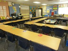 I Love My Classroom - love this desk arrangement