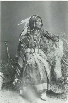 Free archive of historic Native American Indian Tribes Photographs, Pictures and Images. Photographs promote the Native American Tribes culture Native American Beauty, Native American Photos, Native American Tribes, Native American History, American Indians, American Symbols, Indian Tribes, Native Indian, Apache Indian