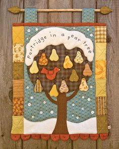 Partridge in a Pear Tree ( wallhanging applique embroidery patchwork christmas countdown calendar quilt pattern ) Christmas Makes, Christmas Art, Christmas Ornaments, Outdoor Christmas, Christmas Decorations, Days Until Christmas, Homemade Christmas, Bird Quilt, Tree Quilt