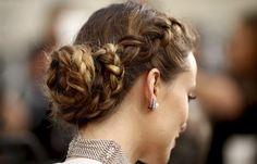 Cachos belíssimos, delineado mara na Gigi Hadid, make para noivas e madrinhas... No Instagram @diadebeaute posto várias fotos de cabelos e makes para inspi