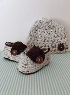 Hey, I found this really awesome Etsy listing at https://www.etsy.com/listing/123279266/baby-boy-loafer-and-beanie-set-crochet