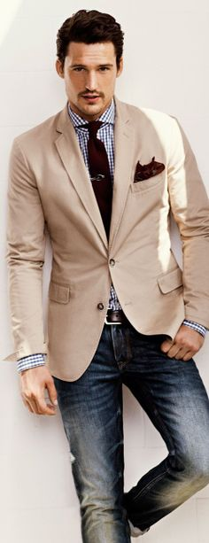 Casual and stylish — Navy Jeans — Brown Leather Belt — Brown Leather Brogues — Burgundy Paisley Pocket Square — Burgundy Tie — Beige Blazer (think Trumaker Mitani) — White and Navy Gingham Dress Shirt (think Trumaker Whitney) Fashion Mode, Look Fashion, Mens Fashion, Guy Fashion, Fashion Menswear, Sport Fashion, Fashion Clothes, Winter Fashion, Mode Masculine