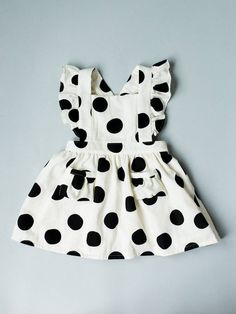 The Ayla Pinafore Dress was designed specifically because of popular request! If you desire a differ Baby Outfits, Kids Outfits, Vintage Girls Dresses, Little Girl Dresses, Dress Vintage, Baby Dresses, Baby Girl Dress Patterns, Baby Clothes Patterns, Robe Pinafore