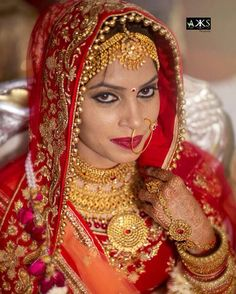 The eyes are the mirror of the soul. . . Book your wedding/engagement/pre n post wedding portrait session with us, we r available around the world. #instaman #india #desi #dulhania #weddingnet #weddingdiary #canon #picoftheday #bestpic #bestshot #indianshadi #swag #bride #teamcanon #weddingdress #red #weddingphotography #followforfollow #thanks http://gelinshop.com/ipost/1520501693106784357/?code=BUZ6DviAohl