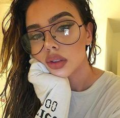 "Universe of goods - Buy ""Luxury Brand Designer Aviation Big Frame Women Men Eye Glasses Vintage Metal Twin Beam Oversized Eyeglasses Clear Lens Thin"" for only USD. Cute Glasses, Girls With Glasses, Glasses Frames, Lady, Long Faces, Mode Vintage, Vintage Metal, Retro Vintage, Vintage Style"