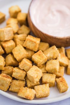 Perfect Crispy Baked Tofu- perfect baked tofu is very easy to make and a great vegan dinner option! Everyone will love this tofu recipe! Grilled Tofu, Tofu Scramble, Crispy Tofu, Baked Tofu, Side Dishes Easy, Side Dish Recipes, Tofu Smoothie, Diet