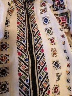 Cross Stitch Floss, Cross Stitch Patterns, Points, Floral Tie, Bohemian Rug, Diy And Crafts, Folk, Costumes, Fashion