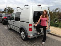 Women travels the USA by converting a Ford Transit Connect into a camper.