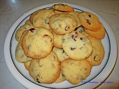 Cranberry-Walnuss Cookies - https://www.facebook.com/media/set/?set=a.504473356317722.1073741845.504055336359524&type=3&uploaded=3