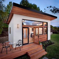 Klein, aber oho: Das Fertighaus Britespace Model 264 von AVAVA Systems Der Traum vom eigenen Haus bleibt für viele eine Wunschvorstellung. Mit Fertighäusern kommt man hingegen dem Traum ein Stückchen näher. Die Modu...