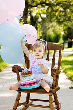 Hannah's 1st Birthday Photo Inspiration // love the idea of bringing the rocking chair outside, i have one that I can bring over