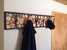 Ça serais chouette aussi pour accrocher des bijoux (Decorating : Hand Crafted Log Branch Coat Racks By Live Edge Woodcrafts )