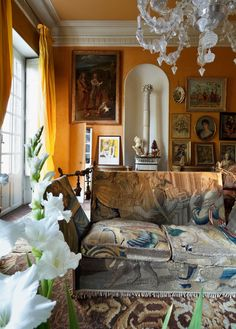Former home of Roger Vivier, a 17th century estate in Toulouse#interiordesign
