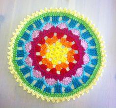 Wow: Summer Mandala Free Crochet Pattern and photo Tutorial here: thanks so!! xox http://beckycafe.blogspot.com/2013/02/i-recently-saw-similar-mandala-from_18.html