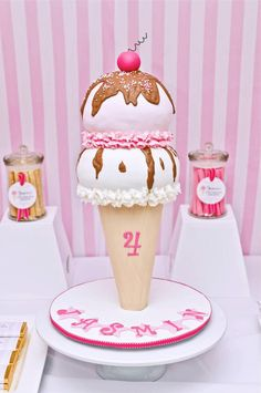 Ice cream cone birthday cake - by Cakes & Biscuits by Lisa