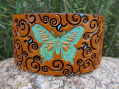 Hand Painted Tooled Leather Cuff Bracelet por SarahsArtistry