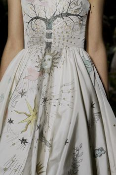 Christian Dior haute couture s/s 2017 - Women's fashion and Women's Bag trends Dior Haute Couture, Elie Saab Couture, Style Couture, Couture Fashion, Runway Fashion, Womens Fashion, Christian Dior Couture, Couture Details, Look Fashion