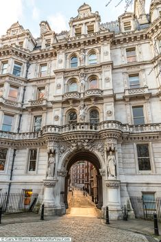 The grand entrance to Inner Temple, London, England, UK