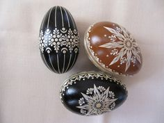 Kraslice zdobené slámou Eastern Eggs, Egg Shell Art, Egg Art, Diy Weihnachten, Egg Decorating, Egg Shells, Thanksgiving, Holidays And Events, Easter Eggs