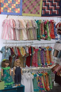 Home is Where My Story Begins: American Girl Clothes at the Astoria Market Craft display idea Craft Show Booths, Craft Fair Displays, Craft Show Ideas, Vendor Displays, Display Ideas, Vendor Booth, Booth Ideas, American Girl Clothes, Girl Doll Clothes