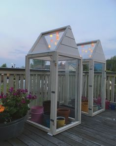 Indoor Gardening Quick, Clean Up, And Pesticide Free - Make Your Own Window Green House Backyard Greenhouse, Small Backyard Gardens, Greenhouse Plans, Backyard Landscaping, Small Greenhouse, Wooden Greenhouses, Cold Frame, Veg Garden, Urban Homesteading