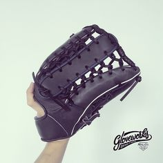 Gloveworks - your custom baseball glove maker. From base leather to stitching thread, design your own glove with thousands of personalization options! #customglove #gloveworks #baseball #baseballglove
