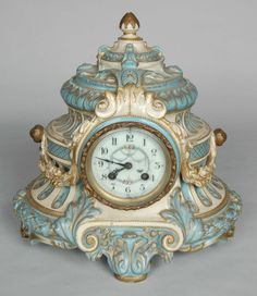 19TH CENTURY FRENCH PORCELAIN CLOCK