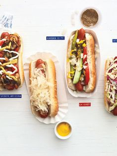 hot dog party-travel the world through hot dogs! Gourmet Hot Dogs, Hot Dog Party, Puppy Party, Junk Food, Chorizo, Burger Dogs, Chili Dogs, Hot Dog Recipes, Yummy Food