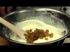 Laci bácsi konyhája Mazsolás túrós lepény www.szakacsnet.hu - YouTube Hungarian Desserts, Tej, Oatmeal, Pudding, Make It Yourself, Breakfast, Youtube, Food, Recipes