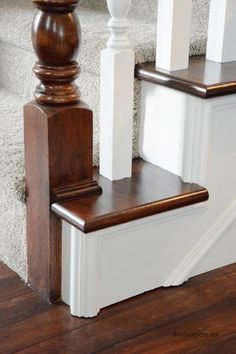 How to stain an oak banister.or any other lightly colored stained wood. Painted Banister, Wood Railing, Staircase Railings, Banisters, Staircase Design, Staircases, White Banister, Staircase Architecture, Staircase Ideas