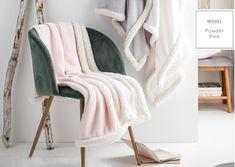 Luxusná francúzska deka ružovej farby s príjemným lemovaním Powder Pink, Wardrobe Rack, Blanket, Furniture, Stockholm, Design, Home Decor, Decoration Home, Room Decor
