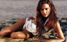 Jessica Alba Hot Photos In Bikini