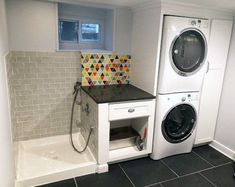 (paid link) However, it isn't always as comfortable to get to the traditional and most likely stationary dog Bathing stations, so a portable dog Bathinger is a ... #dogbathingstation Mudroom Laundry Room, Laundry Room Layouts, Laundry Room Design, Dog Bathing Station, Dog Tub, Casa Art Deco, Dog Bathroom, Douche Design, Laundry Room Inspiration