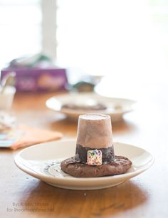Ice Cream Cake Pilgrim Hats! A fun activity to do with the kids this Thanksgiving!