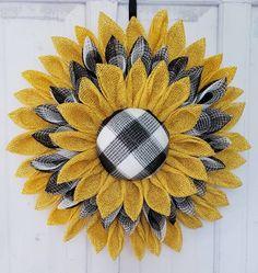 Summer Door Wreaths, Christmas Mesh Wreaths, Wreaths For Front Door, Winter Wreaths, Spring Wreaths, Sunflower Burlap Wreaths, Sunflower Crafts, Burlap Flowers, Floral Wreaths